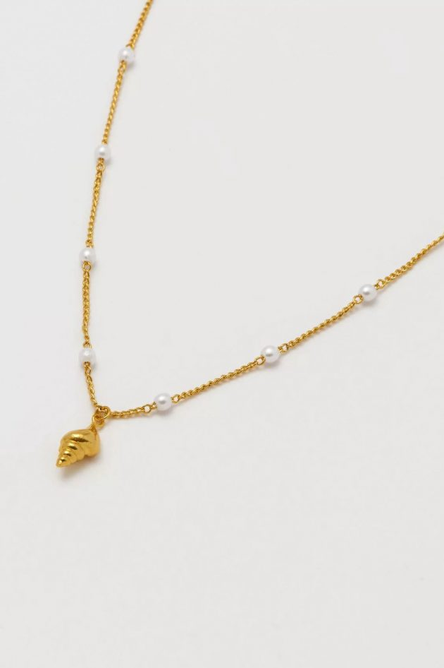 Estella Bartlett – Shell and Pearl Chain Necklace – Gold